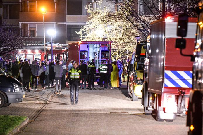 Bewoners van de appartementencomplex de Vijverhof in Steenwijk werden ontruimd.