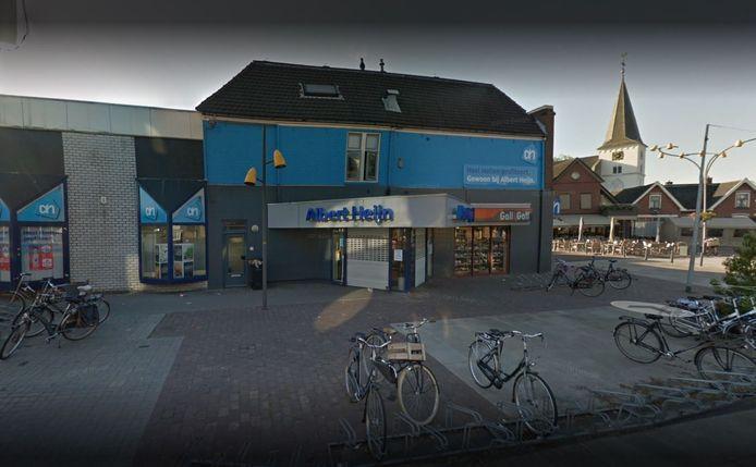 De Albert Heijn-vestiging in het centrum van Holten.