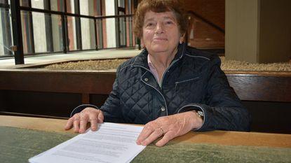 Maria (80) krijgt 1.500 euro terug van oplichter