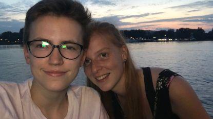 """Transjongen Emile Jacobs uit '4eVeR' heeft een vriendin: """"Hanne aanvaardt mij volledig"""""""