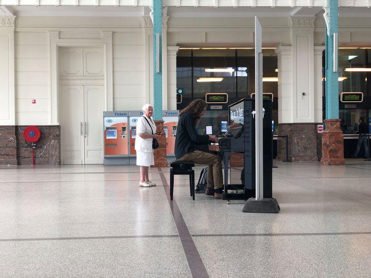 Dries Vienne speelde al op de piano