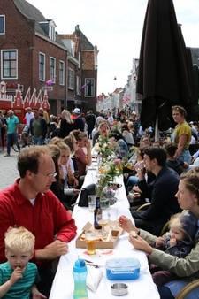 Middelburgers schuiven massaal aan tijdens 'Historisch tafelen'