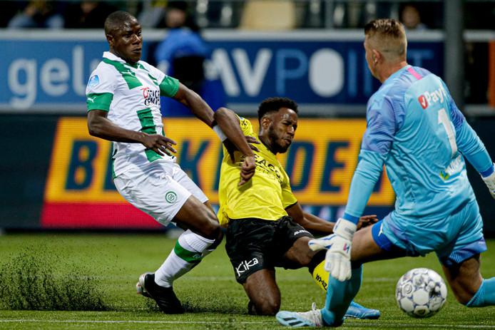 Yeboah zorgde op het korrelige kunstgrasveld voor de 1-0.