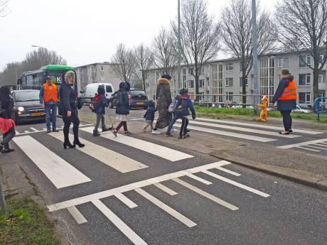 Afsluiting Wantijbrug veroorzaakt gevaarlijke situaties op de weg en minder klanten voor winkels