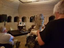 Adriaan van Dis geeft lezing op 'Van Dissengrond' Fort Sabina: 'Hou je geest lenig'