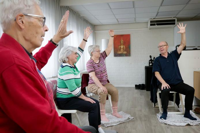 Yoga voor ouderen in Oosterhout.
