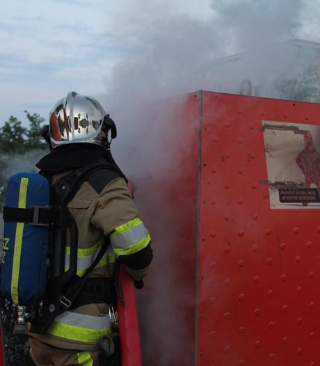 Container bij winkelcentrum Passewaaij in Tiel opnieuw in brand