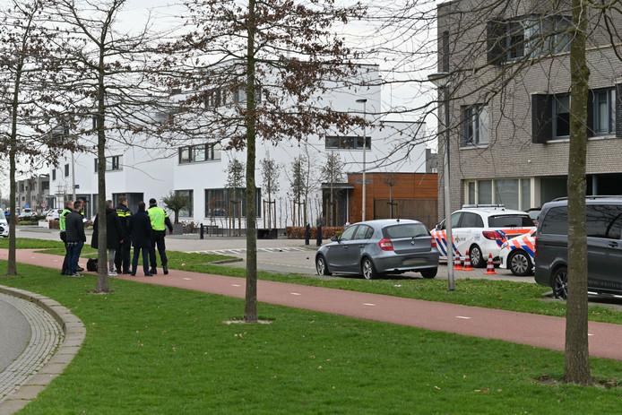 Agenten schieten man met hakmes neer in Etten-Leur.