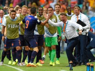 """Van Persie: """"Laat hele land niet gaan roepen dat we al wereldkampioen zijn"""""""