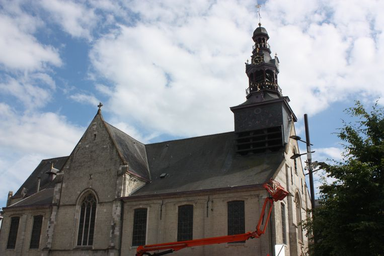 De Onze-Lieve-Vrouw-Hemelvaartkerk in Zottegem.