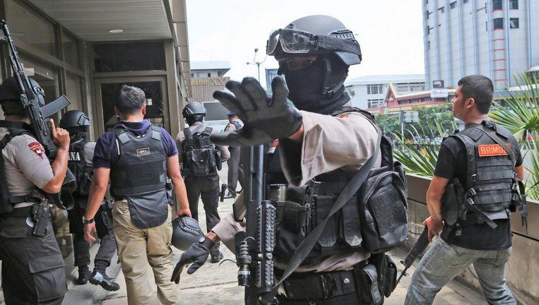 Agenten van een antiterreurbrigade. Beeld ap