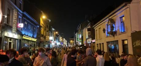 Uitgaansstraat Gent puilt uit van studenten, politie grijpt in