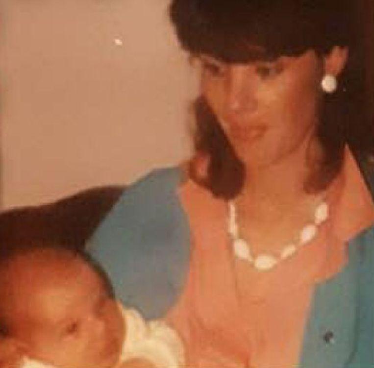 Westgarth als baby met zijn moeder Rebecca.