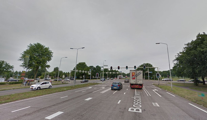 Het kruispunt van de N65 bij Oisterwijk en Udenhout.