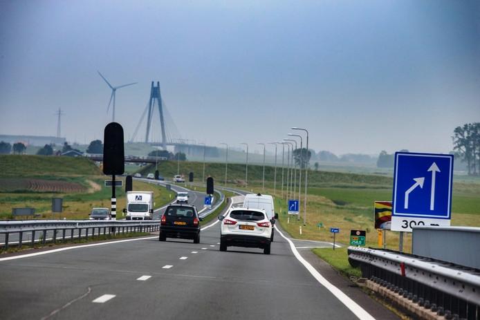 Verkeer op de N50 bij Kampen. Foto: Freddy Schinkel