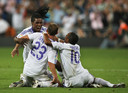 Vreugde bij Royston Drenthe, Wesley Sneijder en Robinho na de winnende goal tegen Atlético Madrid.