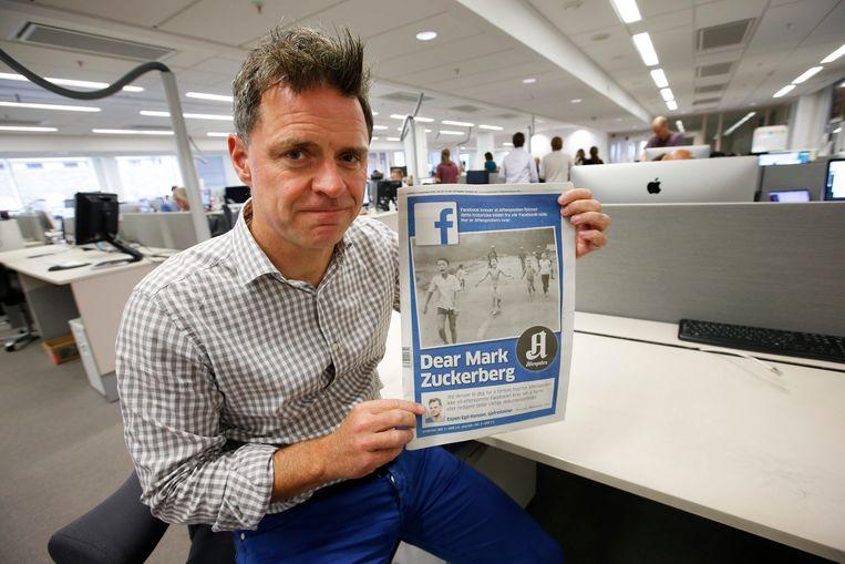 De Noorse krant Aftenposten protesteerde vorig jaar toen Facebook opdroeg tot het verwijderen van de beroemde zwart-wit-foto van een naakt Vietnamees meisje dat door napalm is getroffen. Later werd die foto toch toegestaan. Beeld EPA