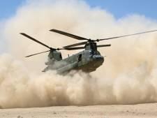 Helikopters van Defensie oefenen zandlandingen op verschillende plekken in de regio