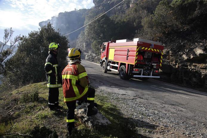 Des pompiers à l'oeuvre à Biguglia, en Corse, ce mardi 11 février.
