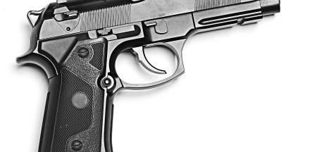 Tientallen vuurwapens geroofd uit wapenhandel in Wateringen, Bosschenaar aangehouden