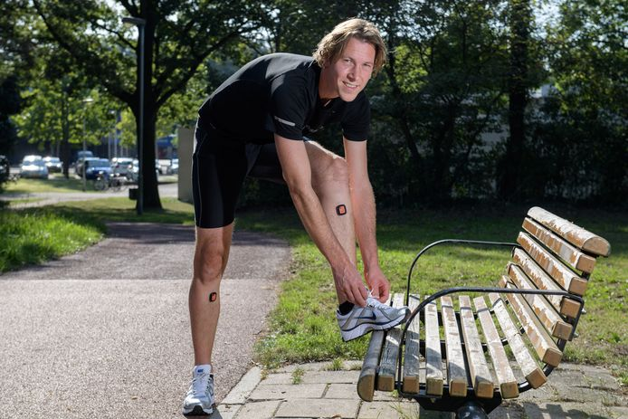 Medewerker Allard Dijkstra van Roessingh testte de Runner Assit app zondag uit tijdens de Singelloop.