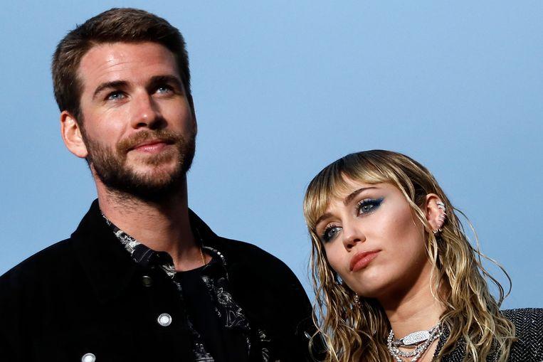 Miley Cyrus kan de dagen aftellen tot ze officieel gescheiden is. De zangeres en haar ex Liam Hemsworth zijn het eens geworden over hun echtscheiding, verklapten ingewijden aan TMZ.