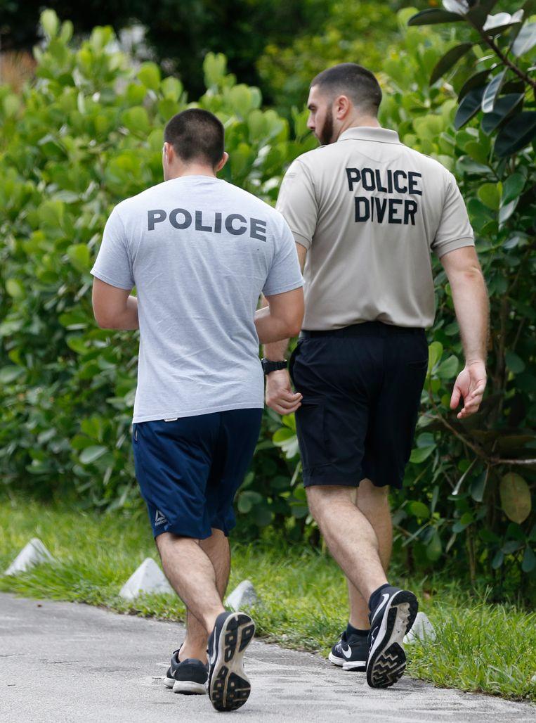 Politieduikers zochten naar de verdwenen vrouw.