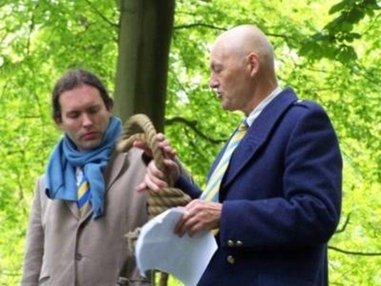 De lijsttrekkers van de Europese Klokkenluiderspartij: Joeri Wiersma (l) en Engel Vrouwe (r). Beeld