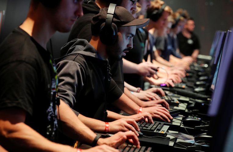 Gamers spelen Battlefield 1 op Gamescom 2017 in Keulen.