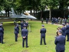F-16 waakt stoer en fier over de KMA, onder de Duiventoren op Kasteel van Breda
