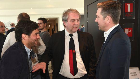 Pierre François in een onderonsje met Mehdi Bayat en Vincent Mannaert, ceo's van respectievelijk Charleroi en Club Brugge.