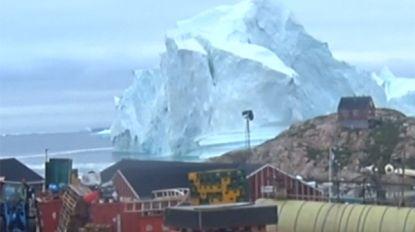 IJsberg bedreigt dorp in Groenland