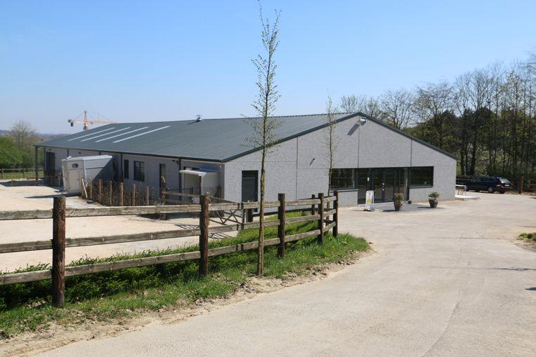 Het nieuwe gebouw op de flank van De Morette.