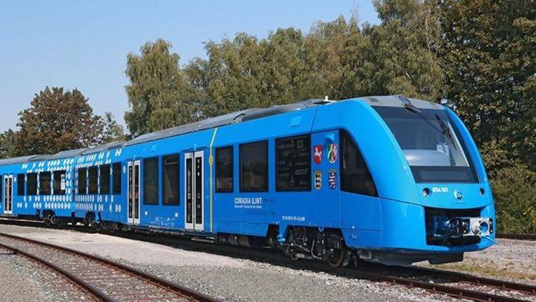 De Coradia iLint, 's werelds enige passagierstrein op waterstof, rijdt al op proef in Noord-Duitsland. Beeld