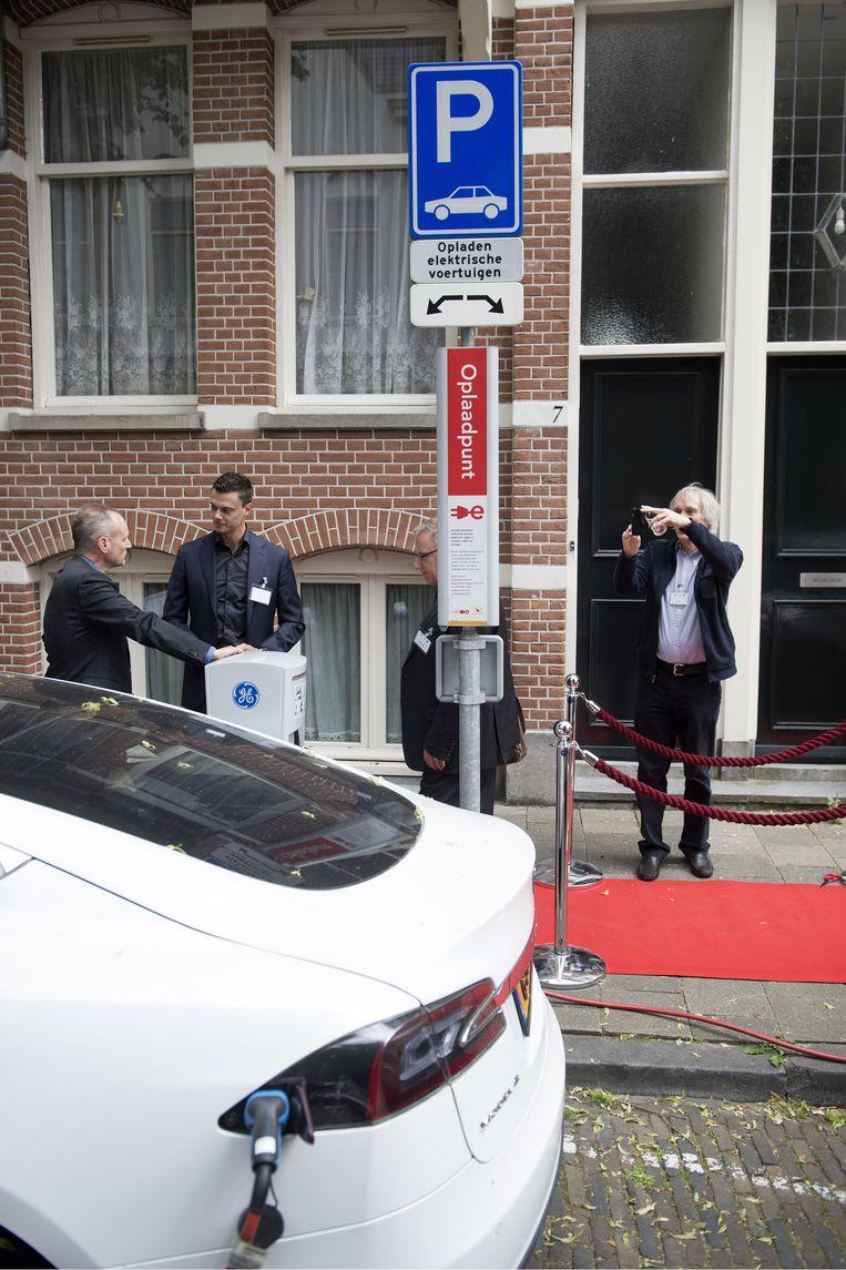 Utrechtse Primeur Met Groene Stroom Uit De Elektrische Auto De