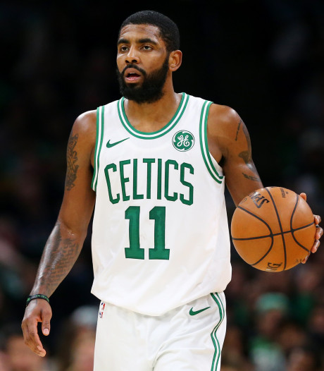 Kyrie Irving signe officiellement aux Brooklyn Nets