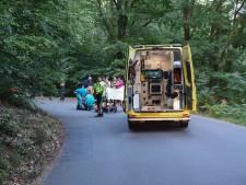 Wielrenner naar ziekenhuis na botsing met auto in Rheden