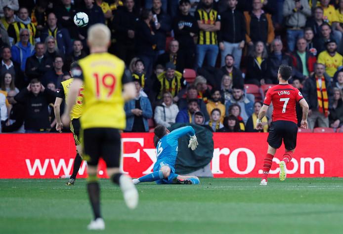 Shane Long scoort tegen Watford al na zes tellen.