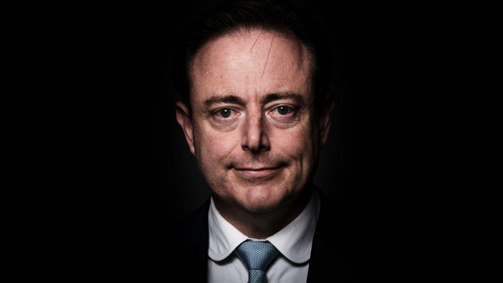 """Bart De Wever keert in eerste grote interview sinds verkiezingen de rollen om: """"Voor Magnette kan België barsten"""""""