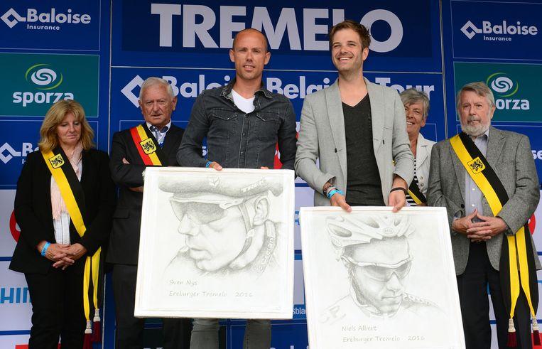 Nys en Albert kregen elk een pentekening van de hand van Flor Hermans.