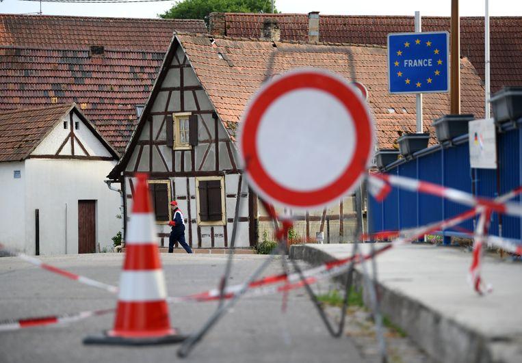 In het Duitse dorp Scheibenhardt is de weg naar Frankrijk nog altijd afgesloten. Beeld Getty Images
