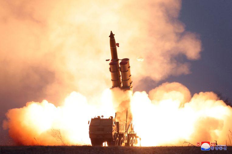 De supergrote lanceerinrichting van Noord-Korea werd met succes getest.