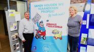 Gemeente krijgt 7 banners van de film 'Urbanus de Vuilnisheld'