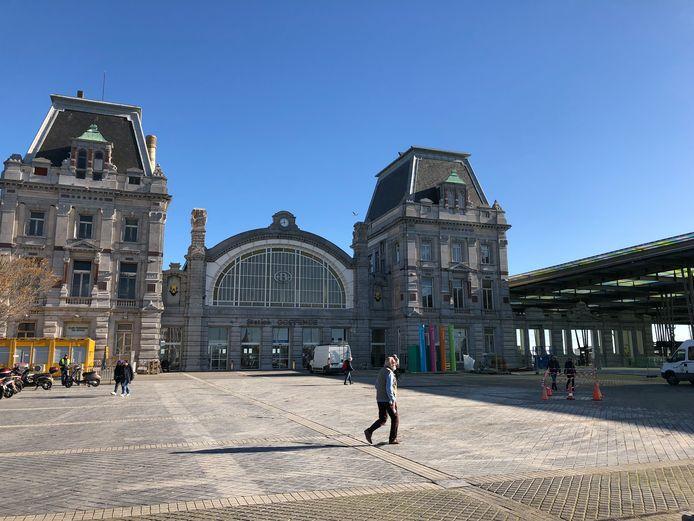 De feiten speelden zich vorige maand af aan het station van Oostende.