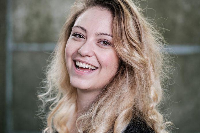Sara Leemans, de vrouw achter de satirische account Dansaertvlamingen