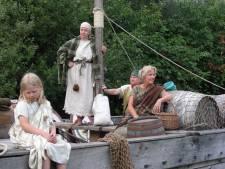 Altijd al eens willen kamperen tussen de Romeinen of de jagers-verzamelaars? Dat kan nu in Archeon