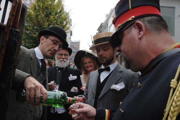 Dit weekend staat in Hasselt alles in het teken van hun grootste specialiteit: jenever.