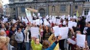 650 klimaatjongeren op straat in Antwerpen tijdens eerste klimaatbetoging van het nieuwe schooljaar