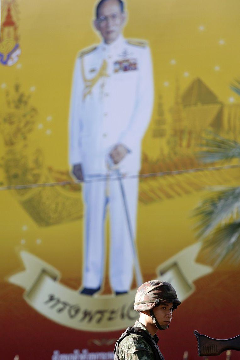 Heeft de Thaise koning Bhumibol Adulyadej de sleutel in handen?