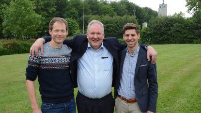 Burgemeester samen met zoon en schoonzoon verkozen